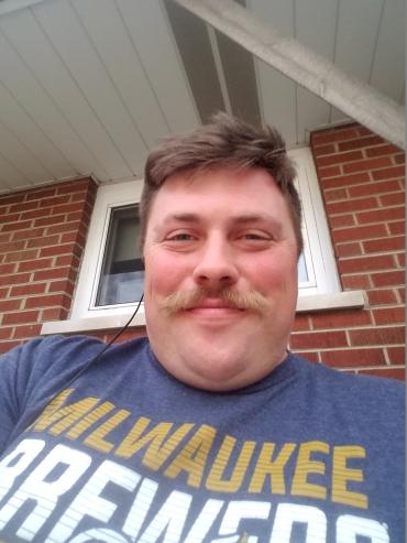 moustache-smile-portrait
